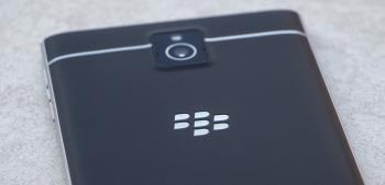 أطلق العنان لقضية BlackBerry Passport square Smartphone