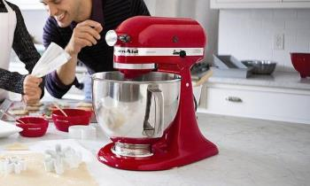 Welche der folgenden Maschinen zur Auswahl: Lebensmittelverarbeitung, Schneebesen oder Mixer?