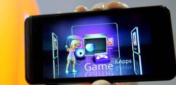 Smartphone dilengkapi dengan layar 3D, dengan sensor sidik jari diluncurkan