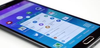 Svelato il misterioso smartphone di LG con configurazione a dinosauro