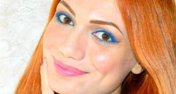 Elektrisches blaues Make-up mit Kiko Miami Beach Babe