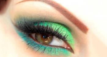 Intense green eye makeup with Pupa