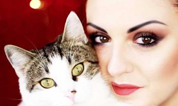 Makijaż zimowy, idealny dla brązowych lub zielonych oczu