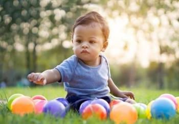 教導1歲嬰兒堅強,獨立和聰明的11個基本技能
