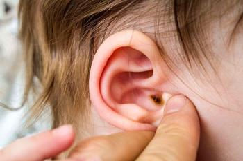 Por qué los bebés tienen mucha cera: enséñeles a las madres cómo limpiarse los oídos de manera segura y eficaz