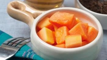 赤ちゃんが身近な果物と一緒に食べるために不可欠なビタミンを適切に補う