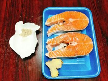 O segredo para fazer a crosta de salmão é delicioso, nutritivo e conveniente para os bebês comerem