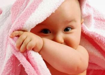 Tips membantu ibu menerbangkan bayi dengan aman tanpa repot
