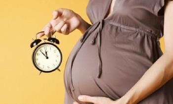 38 haftalık gebelikleri henüz düşmediğinde annelerin endişelerini yatıştırın