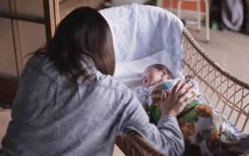 從產後抑鬱症的痛苦死亡中,家庭需要更加關注母親