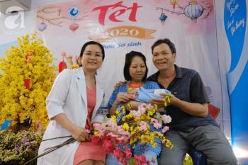 Gli angeli nati prematuramente e prematuramente accolgono felicemente il nuovo anno al Tu Du Hospital