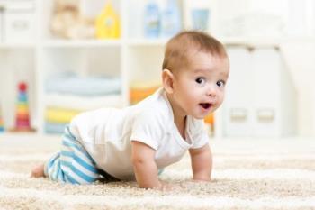 สาเหตุลูกน้อยวัย 3 เดือนไม่รู้วิธีพลิกตัวและวิธีการสอนให้พลิกตัวได้ผล