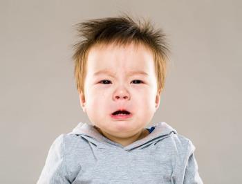 Dissipe a preocupação de que crianças com fala lenta são menos inteligentes ou não?