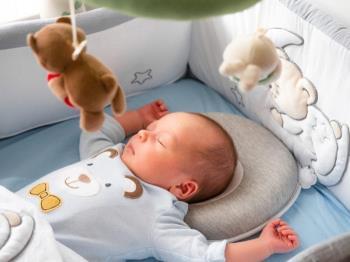 A American Academy of Pediatrics recomenda: É por isso que os pais devem colocar seus bebês para dormir separadamente