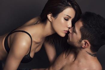 Kebenaran pelik: Suami saya suka melihat saya melakukan hubungan seks dengan lelaki lain