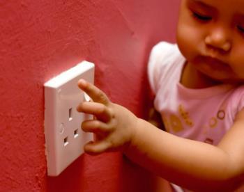 대기 오염을 처리하고 아이들을위한 안전한 실내 놀이 공간을 만듭니다.