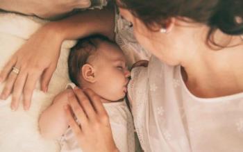 क्या 2 महीने का बच्चा जो रात में स्तनपान करने से इंकार करेगा, कुपोषित होगा?