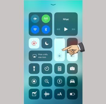 Cara mengaktifkan fungsi Night Shift dengan cepat di iOS 11