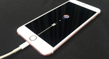 Jak uniknąć zablokowania sparowanej karty SIM z iPhoneem?