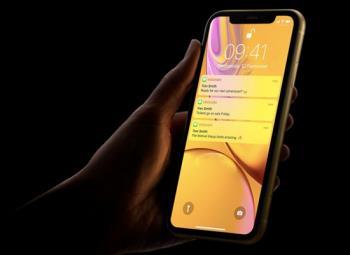 Rzućmy okiem na wyświetlacz Liquid Retina w telefonie iPhone XR