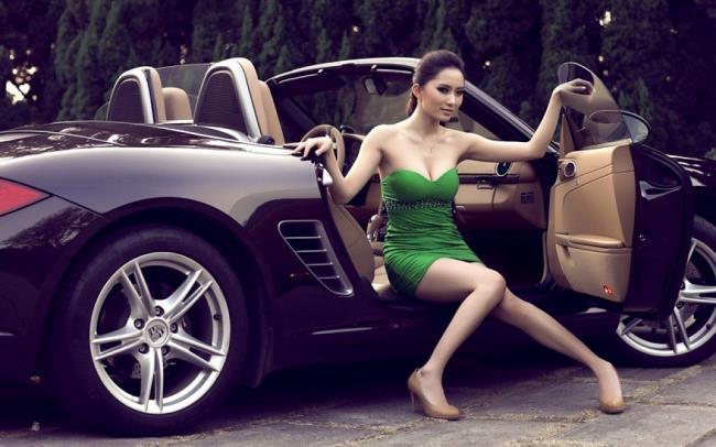 Résumé de belles images et de belles voitures étincelantes