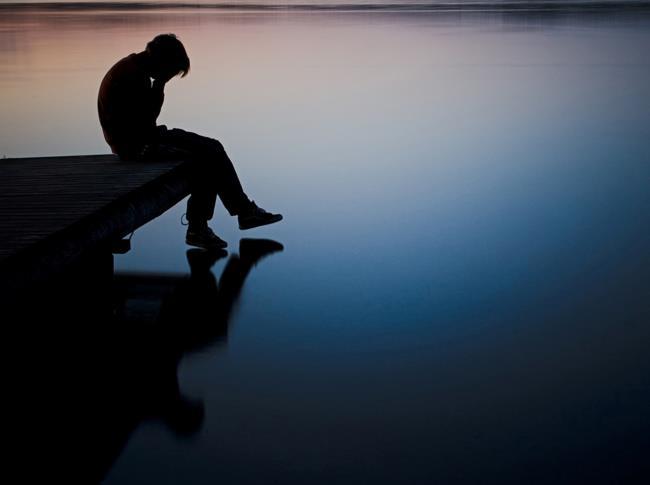 صورة موجزة فقد ابنه الحزين الحب