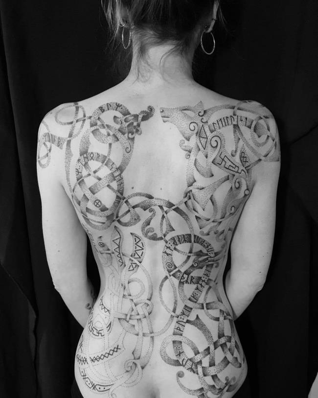 مجموعه ای از زیباترین الگوهای تاتو پشت