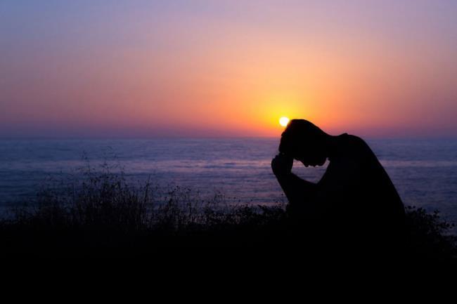 सारांश छवि दुखी पुत्र ने प्यार खो दिया