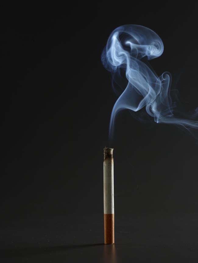 ملخص الصور المغمورة في الدخان
