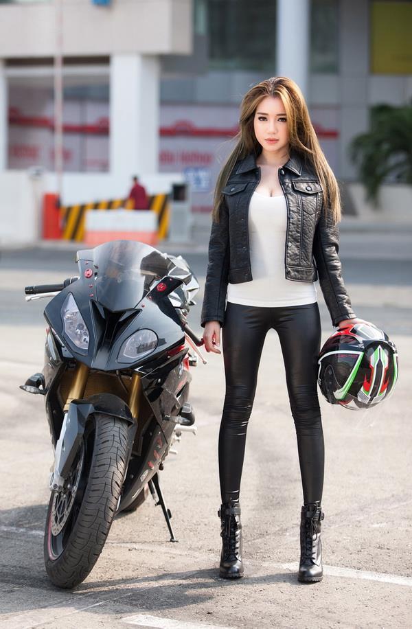 Résumé de la belle image et de la meilleure voiture Moto