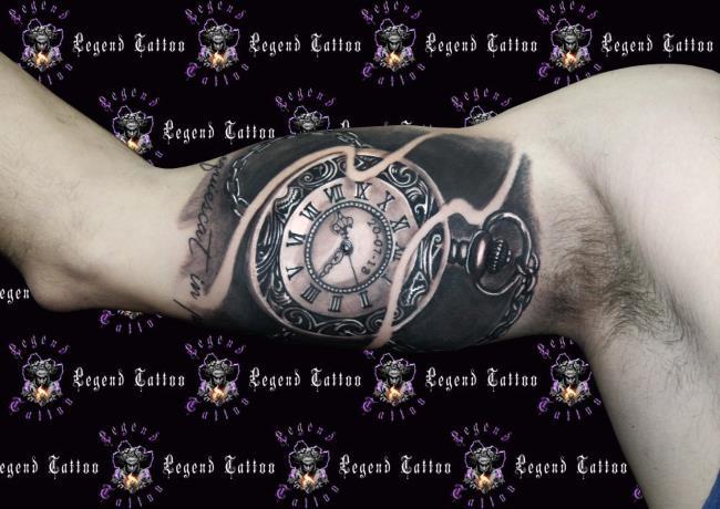 Sammlung der schönsten antiken Uhrentätowierungsmuster