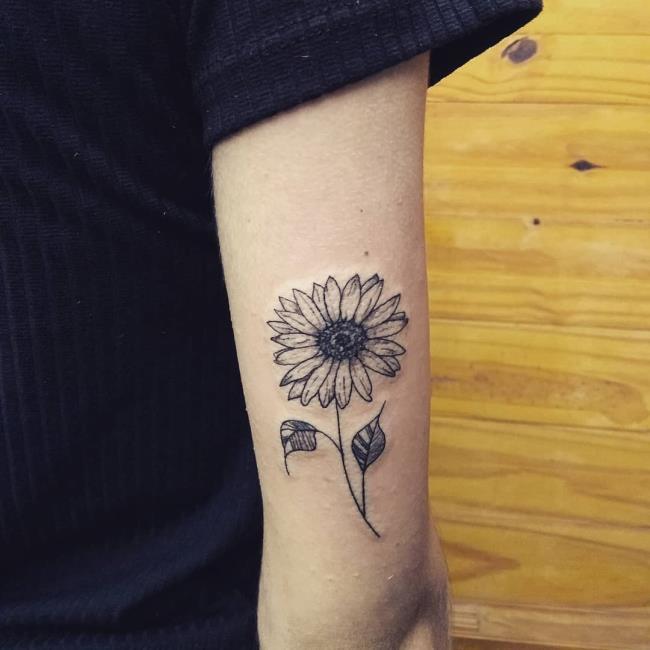 Collection des plus beaux motifs de tatouage de tournesol