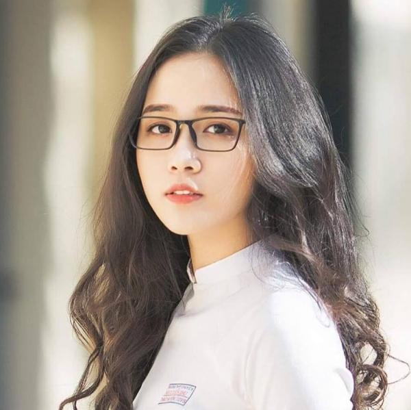Zusammenfassung der niedlichen Mädchen, die extrem niedliche Brille tragen