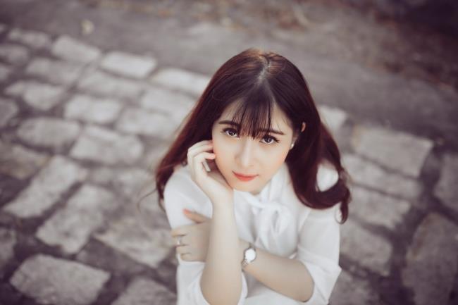 Image de jolie fille mignonne de synthèse