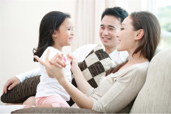 परिवार के पुनर्मिलन पल की सबसे अच्छी छवियों का संयोजन