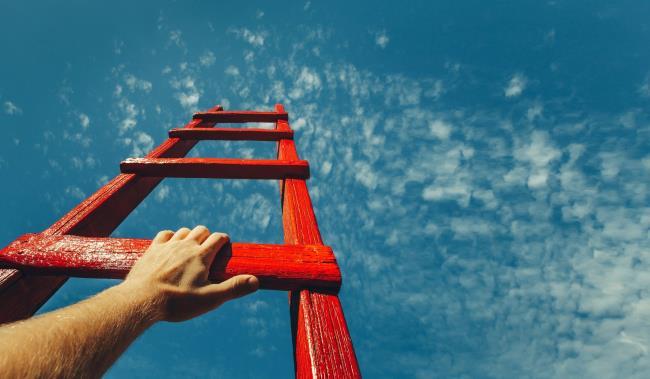 छवियों का सारांश जीवन में मजबूत प्रेरणा बनाता है