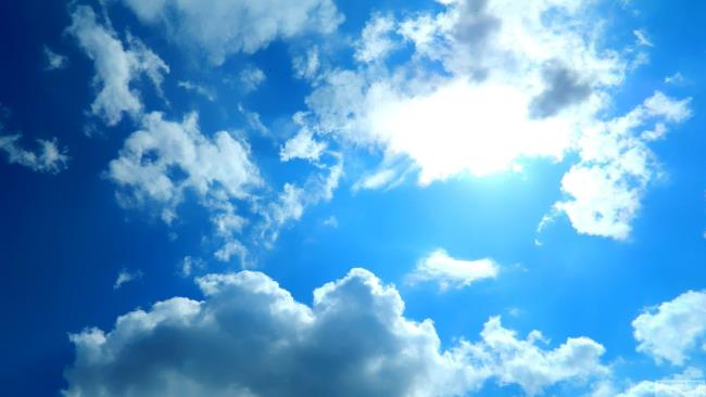 صور السماء الزرقاء الجميلة عالية الدقة الكاملة