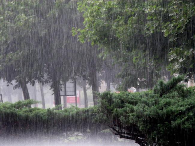 Koleksi gambar indah cinta sedih dalam hujan