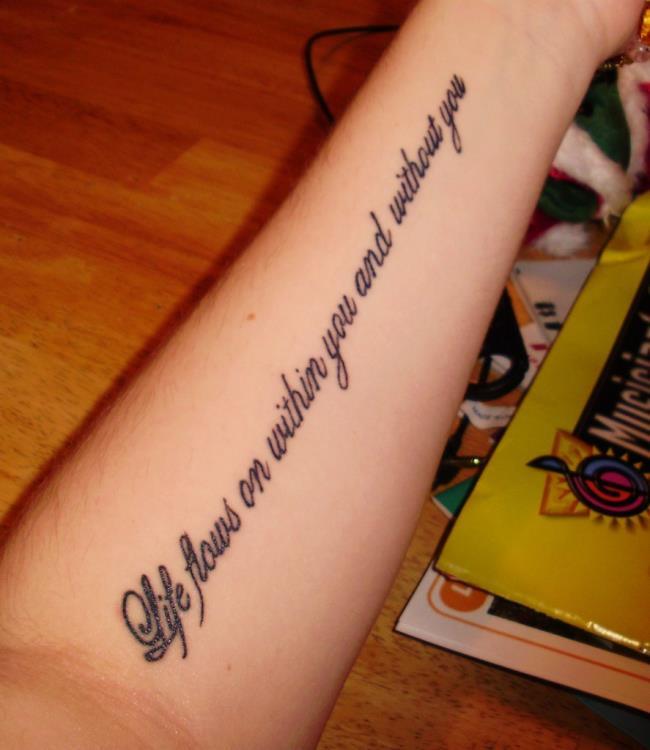 Collection des motifs de tatouage de mots les plus significatifs pour vous