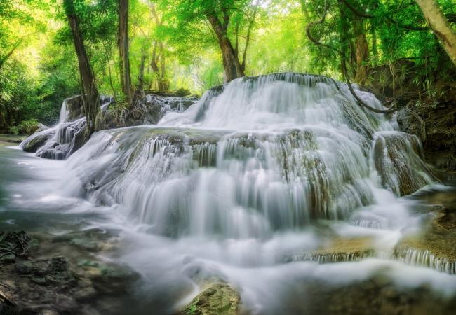Top 50 images of beautiful waterfalls invites you to admire