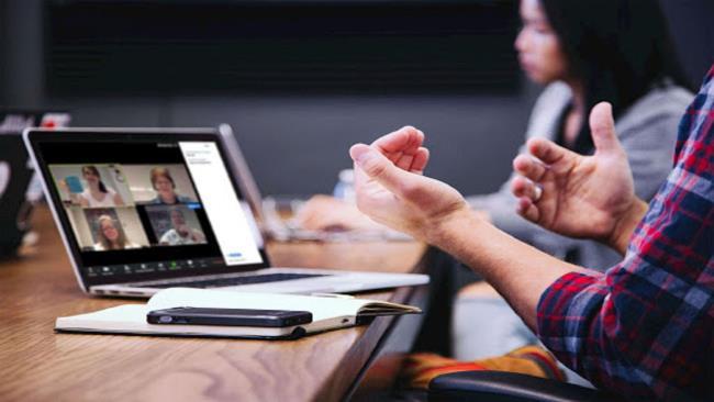 Zoom Meeting помогает школам и учителям легко организовать онлайн-встречу или урок в любом месте.