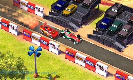 車:Windows Phone1.0.1.6のLightningと同じくらい速い-WindowsPhoneでの漫画のレーシングゲーム