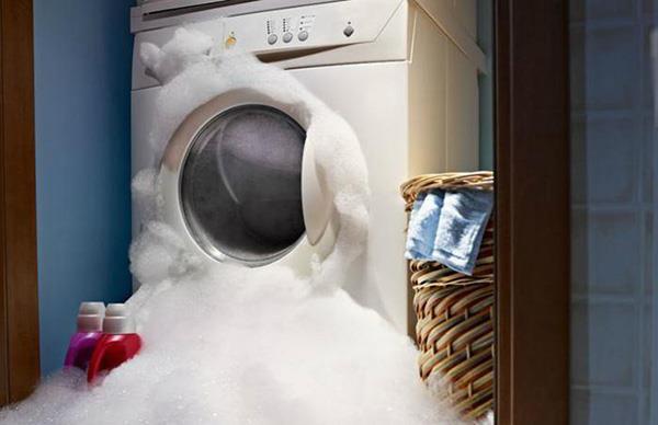 Vorteile - Nachteile der Verwendung von Reinigungsmittel und Waschmittel für die Maschine