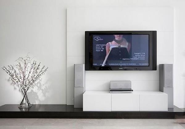 خلاصه اشتباهاتی که هنگام تمیز کردن صفحه های تلویزیون باید از آنها جلوگیری شود