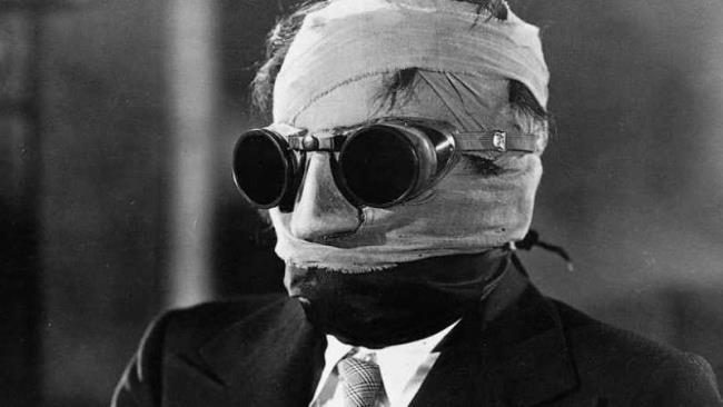 Tinjau dan jelaskan film The Invisible Man - The Invisible Man