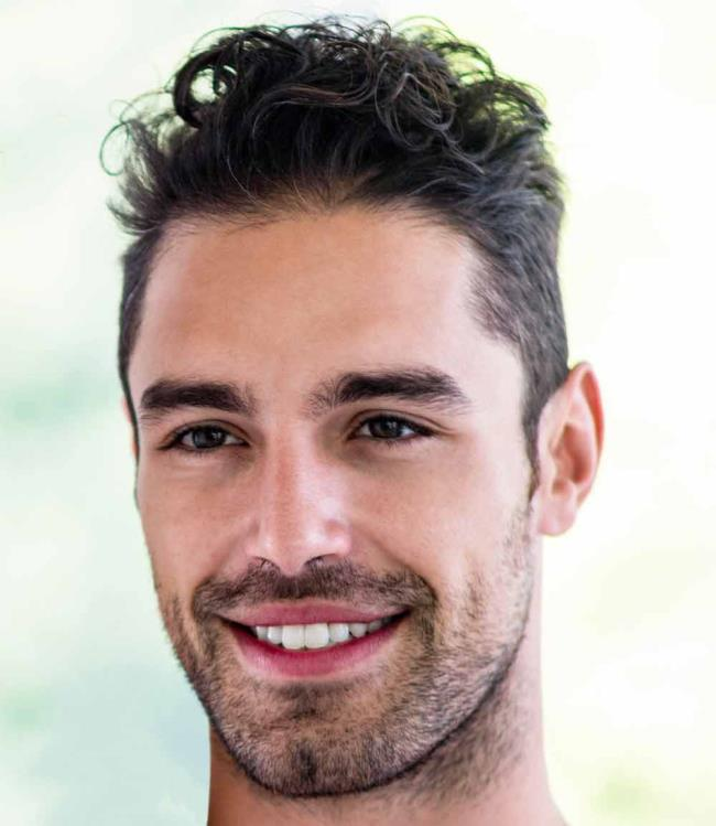 Lockiger Haarschnitt für Männer: 100 schöne trendige Looks