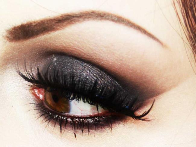 Cara membuat Black Smoky Eyes: Tutorial
