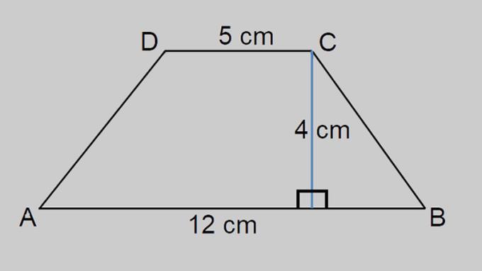 Bir yamuğun alanını hesaplamak için formül, bir yamuğun çevresi tamamlandı, anlaşılması kolay