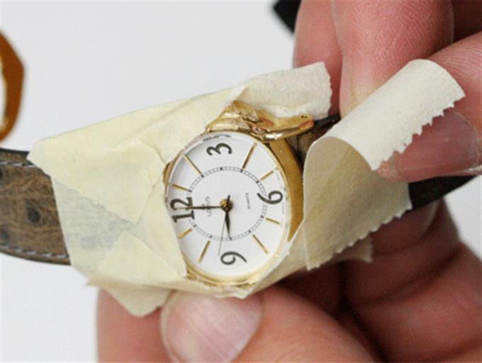 ¿Está rayado el reloj de cristal de zafiro?  ¿Podemos pulirlo?