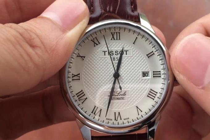 Hoe u het automatische mechanische horloge correct gebruikt